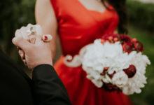 Photo of Разозлившийся насвекровь фотограф изменил цвет ееплатья навсех свадебных снимках