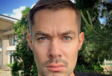 Photo of Стас Пьеха побрился налысо иотрастил усы