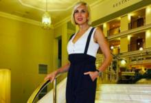 Photo of «Было прекрасно, на данный момент нето»: 57-летняя Свиридова встряхнула фанатов снимком вмини-бикини