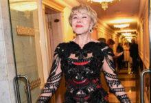Photo of Обнаженная попояс дочь Любови Успенской назвала свою мать «королевой России»