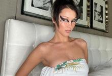Photo of Самая красивая женщина вмире показала декольте наснимках современ карантина