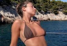 Photo of Модель порадовала фанатов снимком топлес вбикини